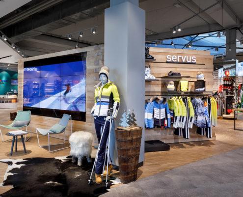Intersport Bründl easescreen Digital Signage im Retail